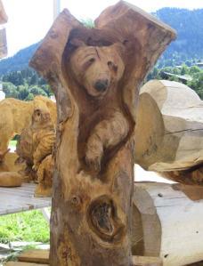 Sculpture-dans-Tronc-d-Arbre